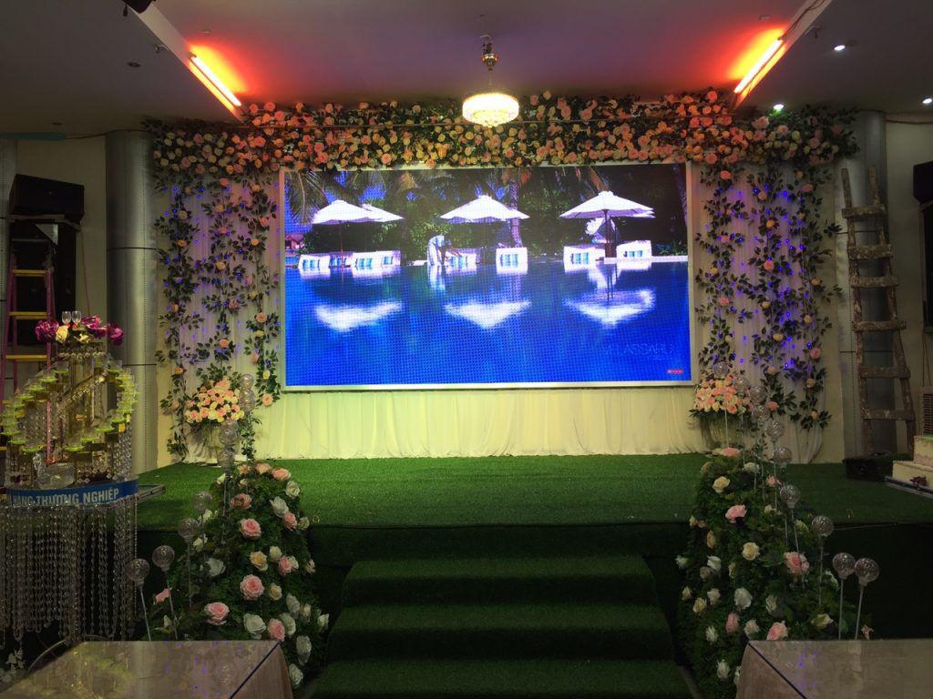 Mẫu màn hình LED sân khấu tiệc cưới